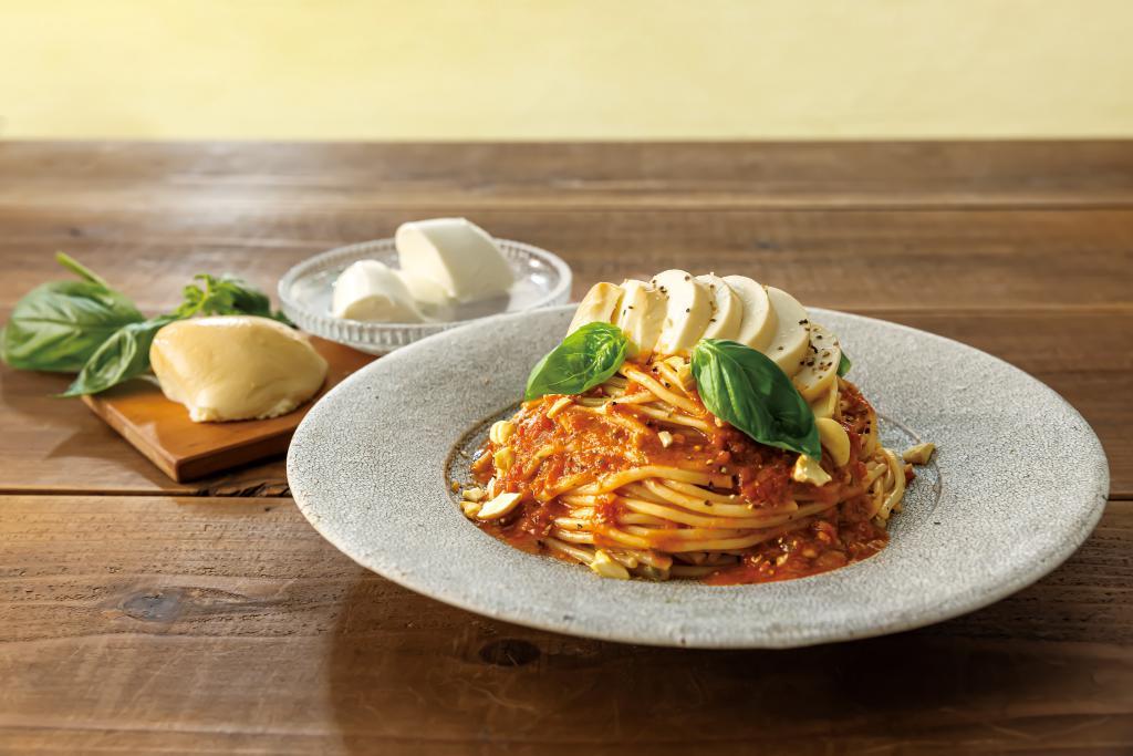 モッツァレラチーズのバジルトマトパスタ.jpg